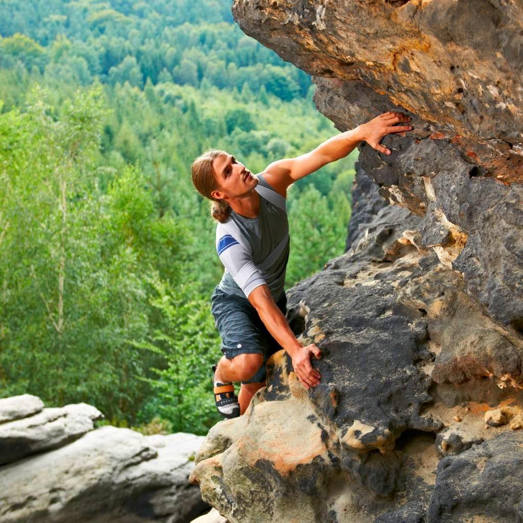 omotrain climbing
